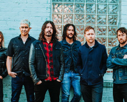 FOO FIGHTERS NUEVO ÁLBUM CONCRETE AND GOLD.