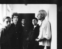 "THE NEIGHBOURHOOD LANZA NUEVA CANCIÓN ""SCARY LOVE"""